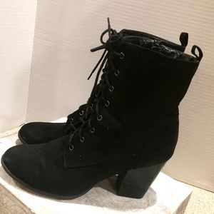 Black Lace up boots Size 10 with side Zip